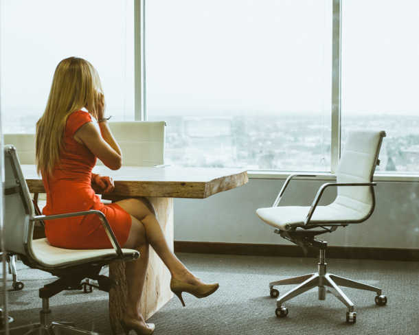 female lawyer hoping to talk to recruiters for leaving law